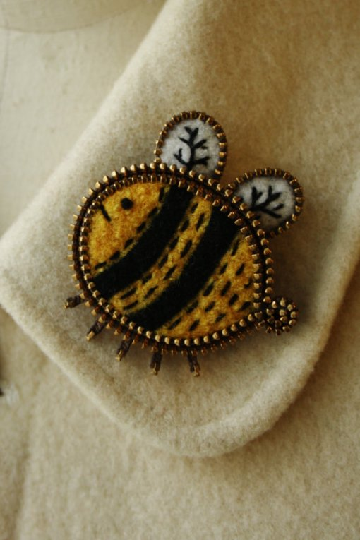 Felt and zipper bee brooch